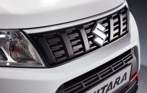 Upper Grille Styling Line White